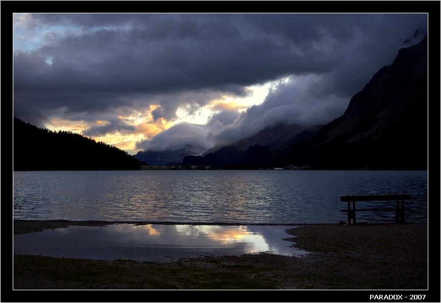 """Швейцария. Озеро Сильваплана. Лежит на высоте 1815 м. Canon EOS 350D. Из серии """"Конец лета в Швейцарии""""*   *   *  .                  .                      .             .   О.В. Признаться, я уже не чаял, Что вновь взойдешь в судьбе моей. Заря вечерняя печальней Надежды утренних лучей.*   *   *"""