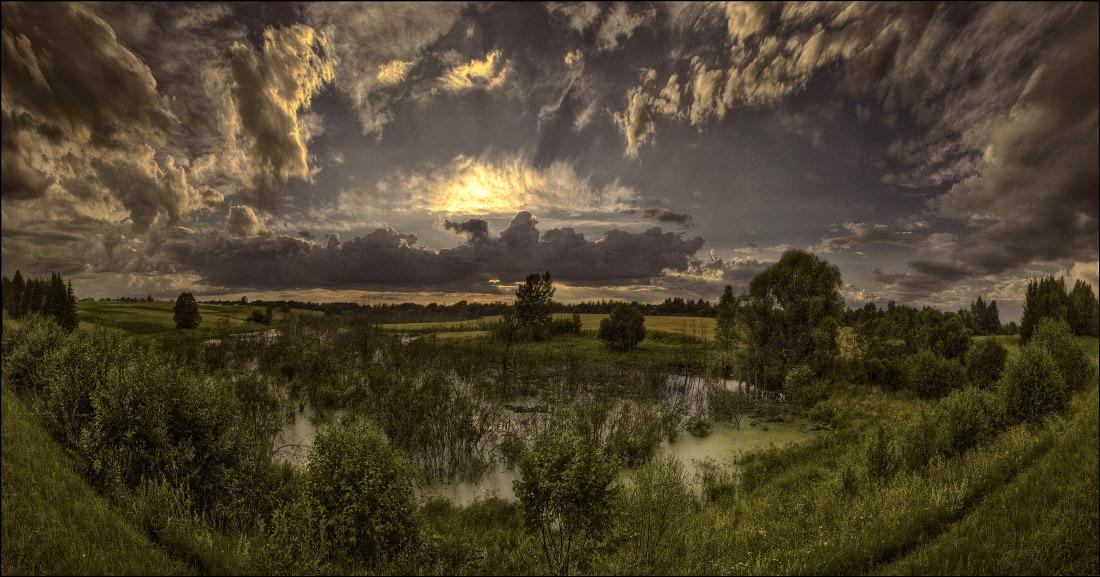 болота Браславщины, Витебская область Беларуси. Пано из 6 вертикальных кадров