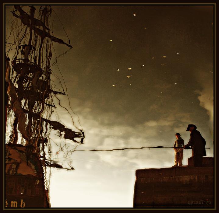 Ваша суть, глаза, не стезя, - Вы = ловушки, глаза, вы капканы, Океаны = ловцы стихий, Паруса ресниц = ветер гонит, В вас безмолвно тонут стихи И ...(с)
