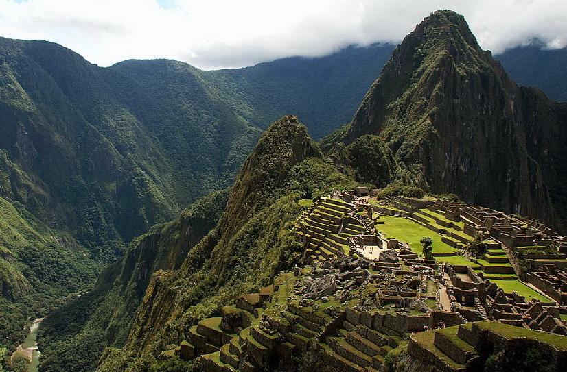 Жемчужина инкской культуры -- город-крепость Мачу-Пикчу