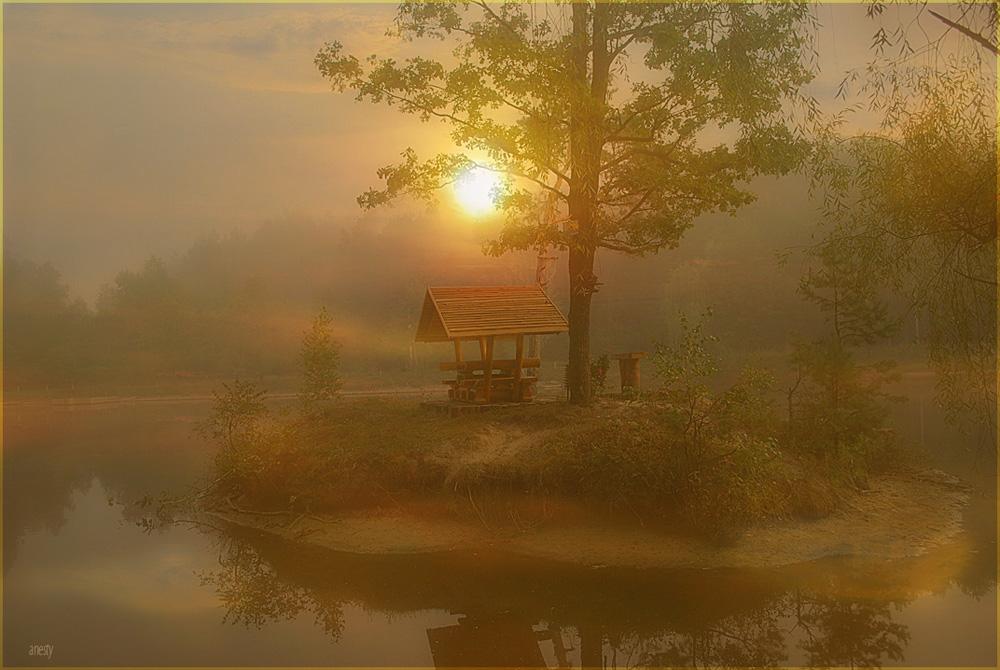 Соглашайся хотя бы на рай в шалаше, Если терем с с дворцом кто-то занял...Вл. Высоцкий.утро, туман, дача
