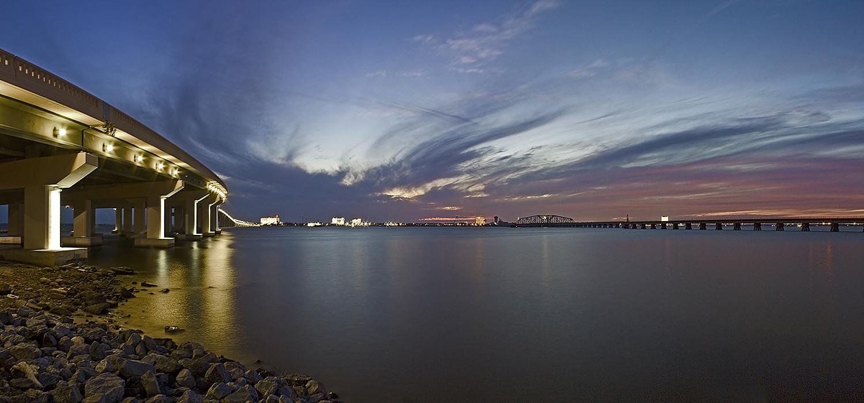 Закат - вечер - мост - мосты - море - залив - панорама