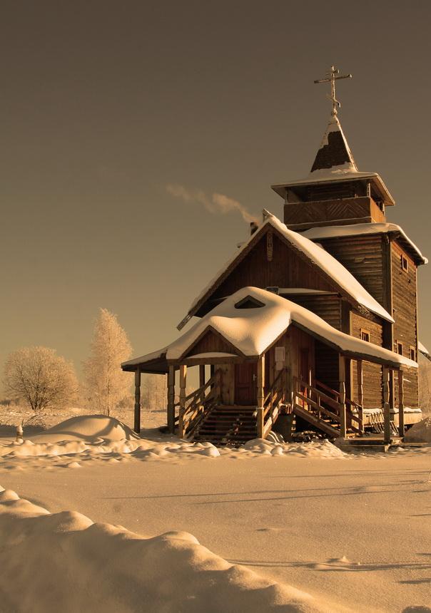 Деревянная церковь в поле на левом берегу Невы. (Кировский район)