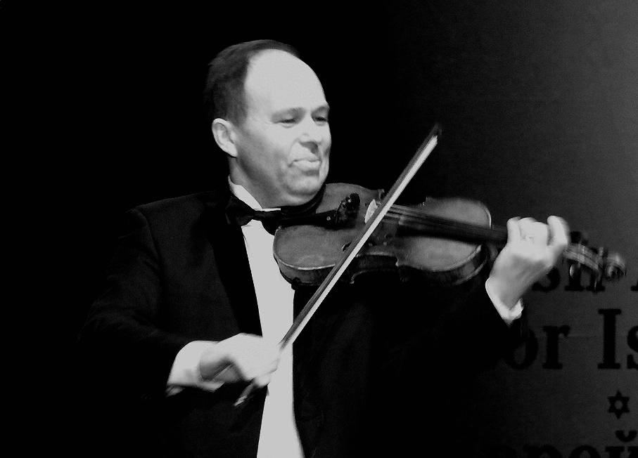 """Знаменитый Финский музыкант и его легендарная скрипка в Государственной Узбекской консерватории с концертной программой """"Эхо Иерусалима"""" 31 января 2010 года"""
