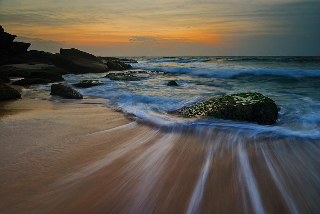 Океан сделал вдох...Тамарама, Сидней, Австралия, пейзаж, волна, отлив, камниhttp://FotoForge.net