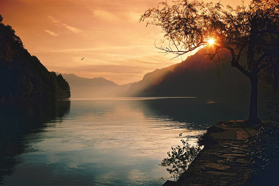 Рассвет на озере Интерлакен