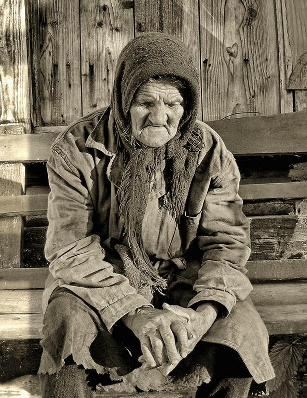 Деревня Вербежичи. Калужская губерния,Русь. Староверка  Анисья, 82 года. июнь 2009. Canon PowerShot A460