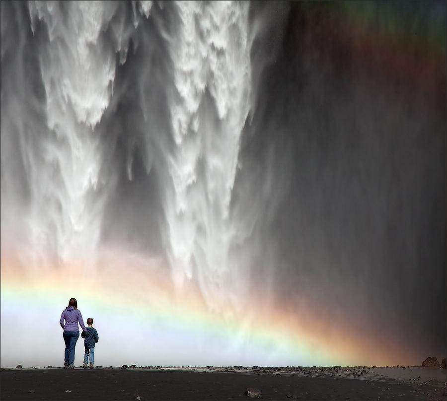 Исландия, водопад Skogafoss.Большое спасибо Гордеевой Лене (Amaltea), с её оперативной помощью я смогла посетить эту удивительную страну.