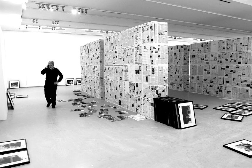 Подготовка выставки «Борис Ельцин и его время».Московский Дом фотографии.