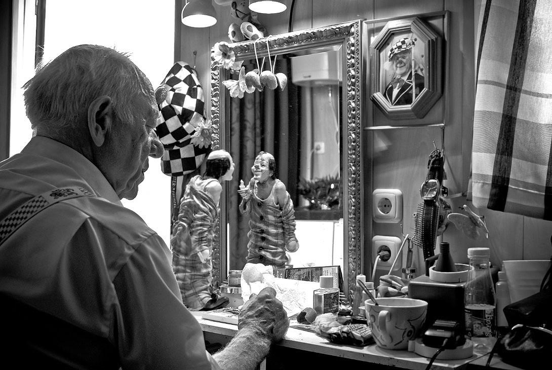 """Великому русскому клоуну Олегу Константиновичу Попову - 80 лет!""""Клоуны не уходят на пенсию, клоуна должны выносить с манежа ногами вперед. Мы еще вместе отметим мое столетие!""""                                                                                         Олег Попов"""