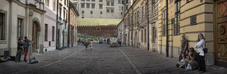 Вот что фотографировали туристы http://www.lensart.ru/picture-pid-44204.htm