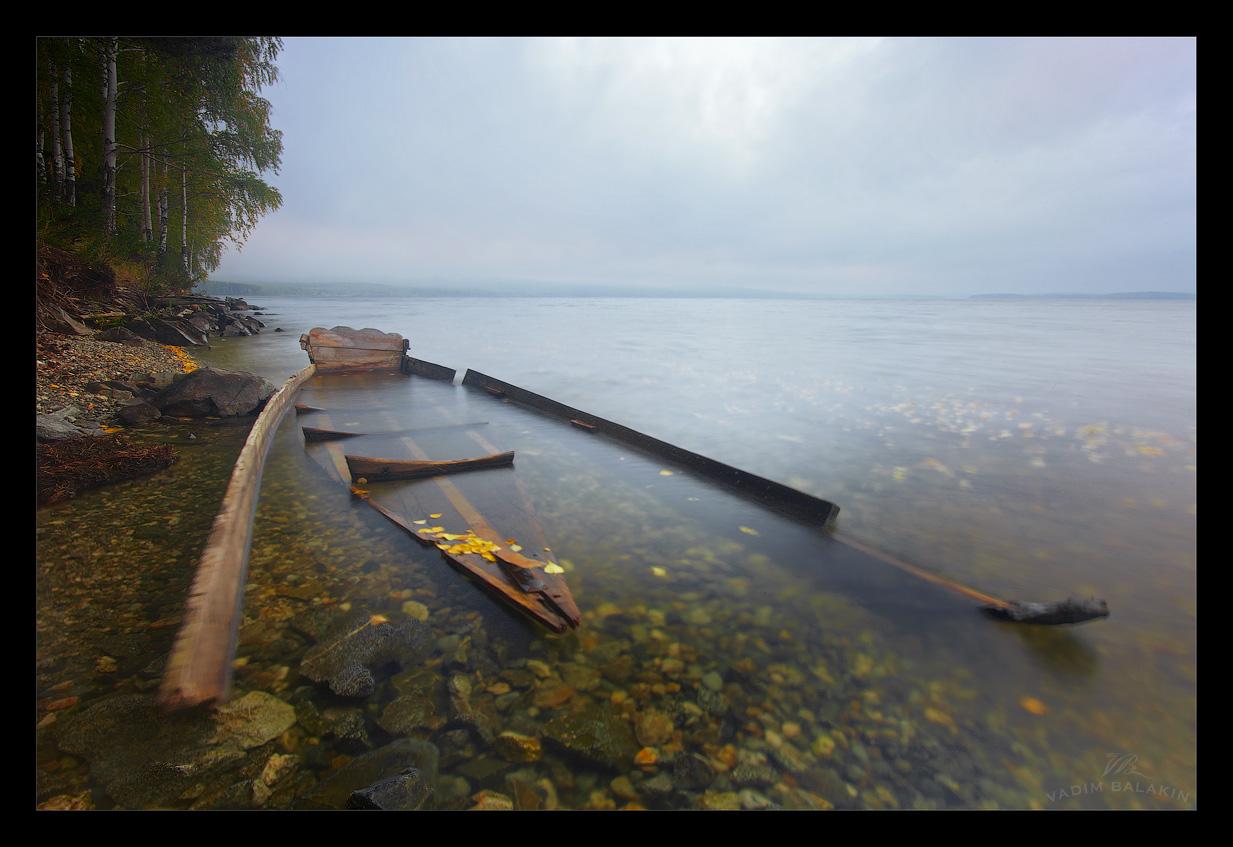 Черноисточинский пруд, Средний Урал, сентябрь 2011, уральские пейзажисты нашли доказательство присутствия викингов на уральских землях...:)