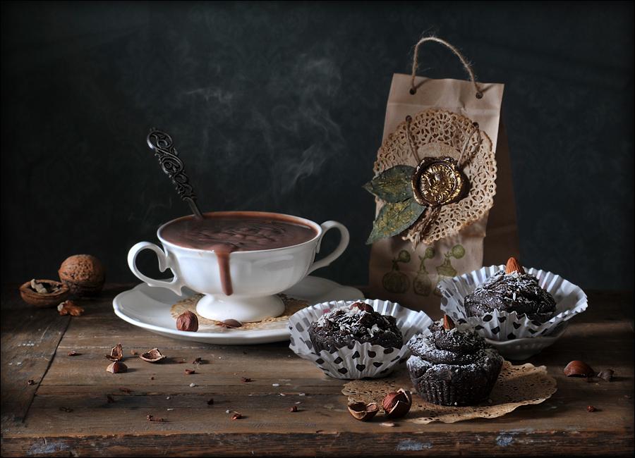 Не удивляйтесь, но Шоколадные маффины - это тоже мыло ручной работы. Мастер Ирина Кудряшова  (Корица)А в чашке ,вполне съедобный ,горячий шоколад ))
