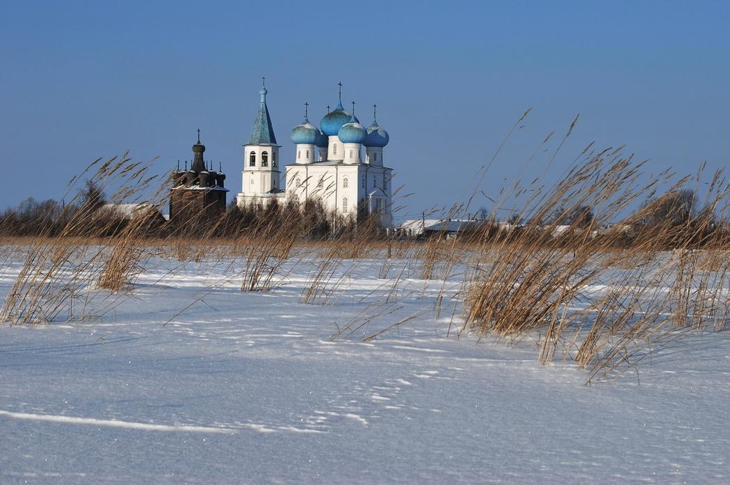 Храм Заостровского прихода в окрестностях города Архангельска, село Рикасово