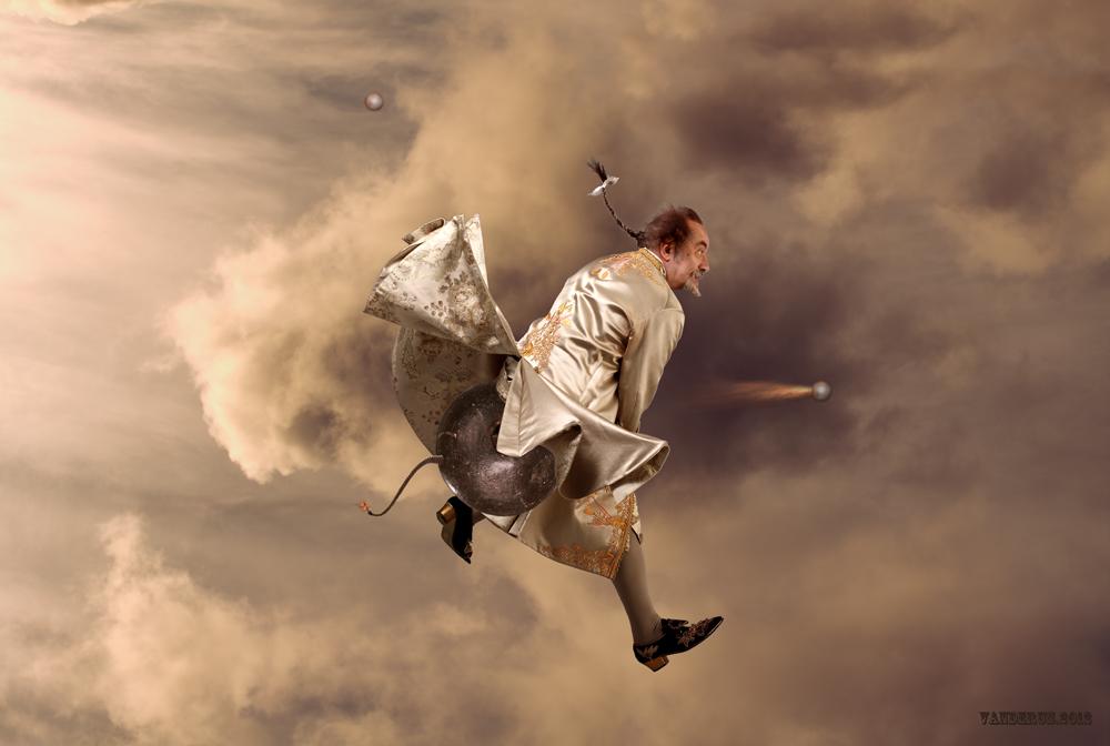 ..или..обещанный полёт ))).Фотограф Андрей Вандерусстилист Наталья Росинскаястудия Павла Киселёва.