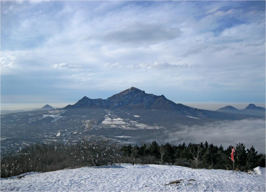 Северный кавказ. Гора Бештау. Вид с горы Машук.