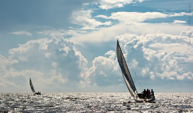 http://www.marshavin.com/?p=2651Маленькая яхтенная регата в Финском заливе. Море, яхта.