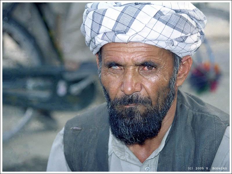 Снято в афганском городе Мазари-Шариф.