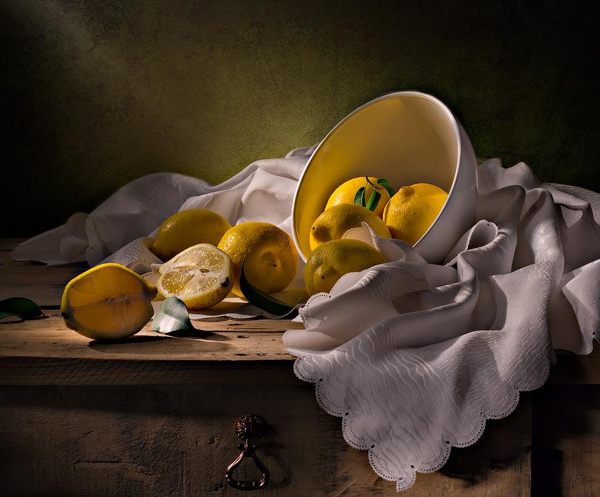 световая кисть,лимоны