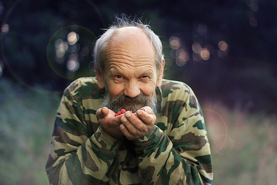 Добрая сказка от дедушкив теплых ладонях вкусна...там улыбаются лешиеда с хитрым прищуром Яга...