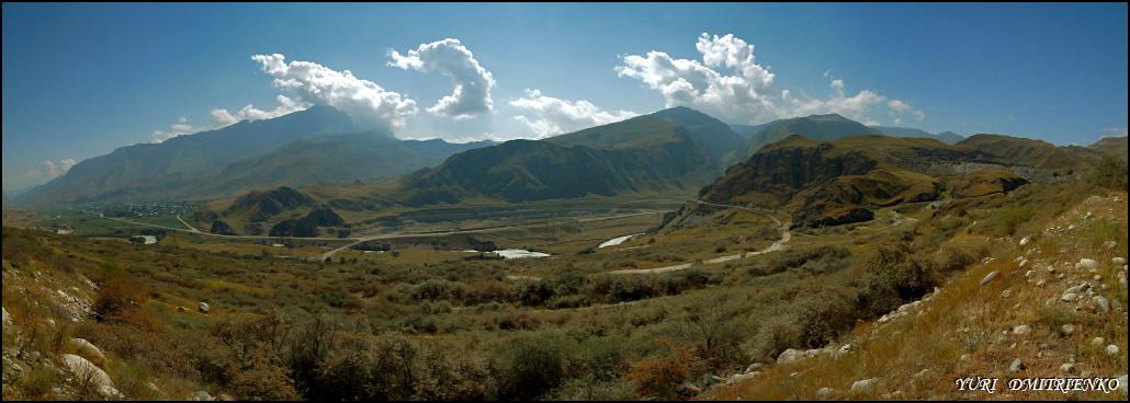 Кабардино-Балкария, Баксанское ущелье, 8 км от г.Тырныауз.Панорама из 7 вертикальных кадров с рук.[1/200; F/11; ISO200]