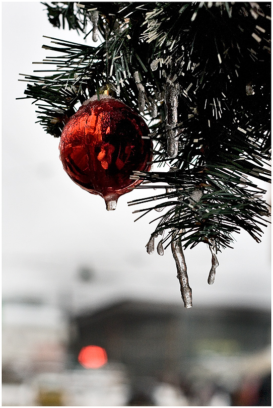 с Новым Годом, Дорогие и Любимые!Счастья! Радости! Вдохновения!.www.youtube.com/watch?v=3Uo0JAUWijM