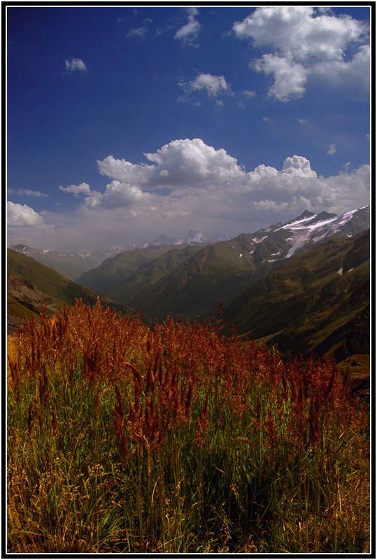 КБР, вид на Баксанское ущелье со склона Эльбруса (высота 3000м.)