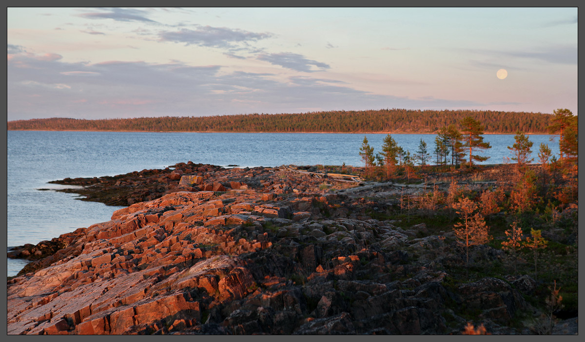 Белое море. Район острова Кереть. 02-08-2012, 22:34.