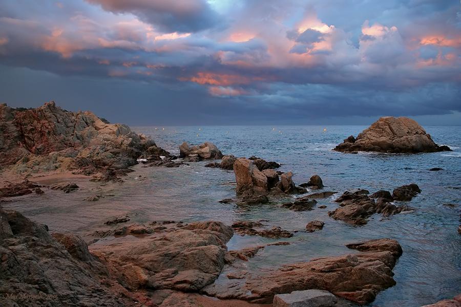 Закат на побережье в г. Льорет-де-Мар (Lloret de Mar), Испания
