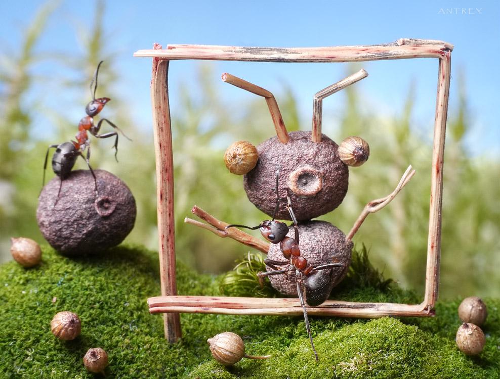 """по мотивам рисунка Сами """"муравей пишет портрет муравья"""""""