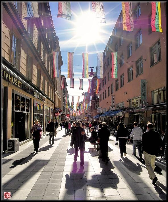 Стокгольм, улица имени Улофа Пальме, пожалуй одного из самых демократических президентов современности, видимо поэтому там - СОЛНЦЕ!