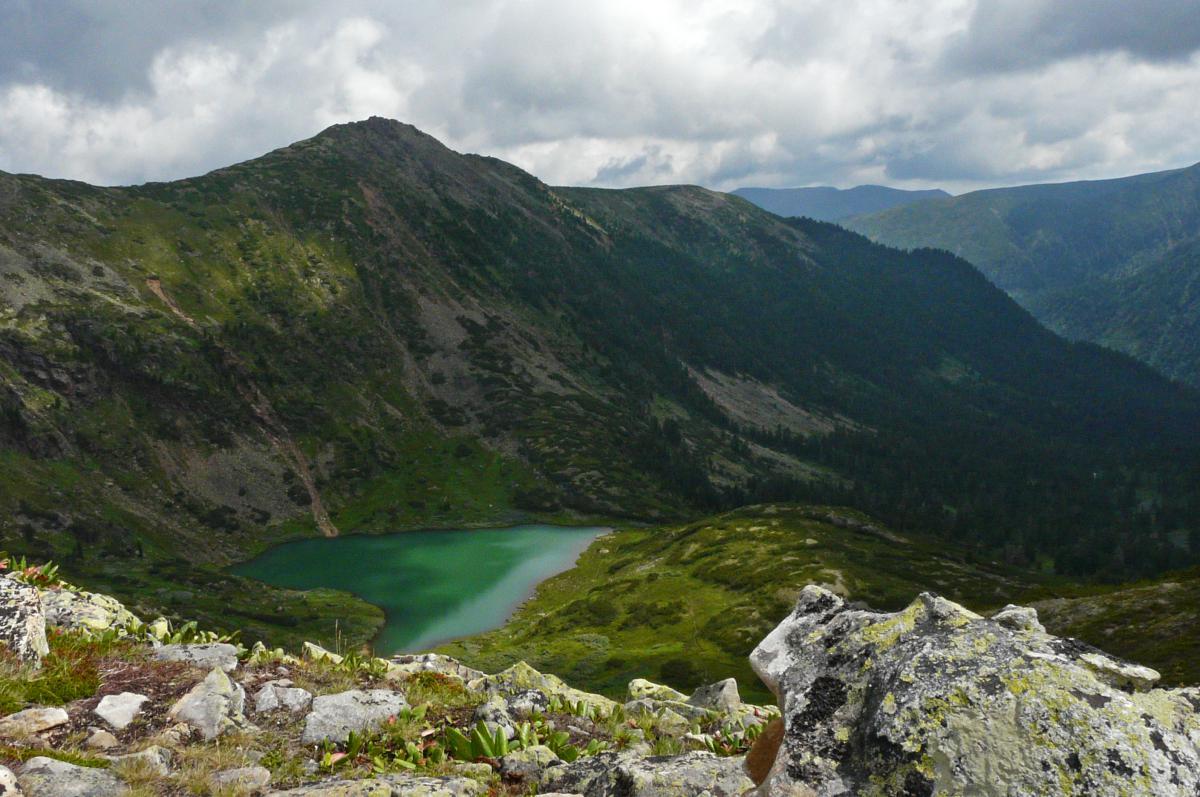 Озеро Сердце, на спуске с Пика Черского, Хамар-ДабанPanasonic DMC-FZ18  f/8  1/640c  ISO 200