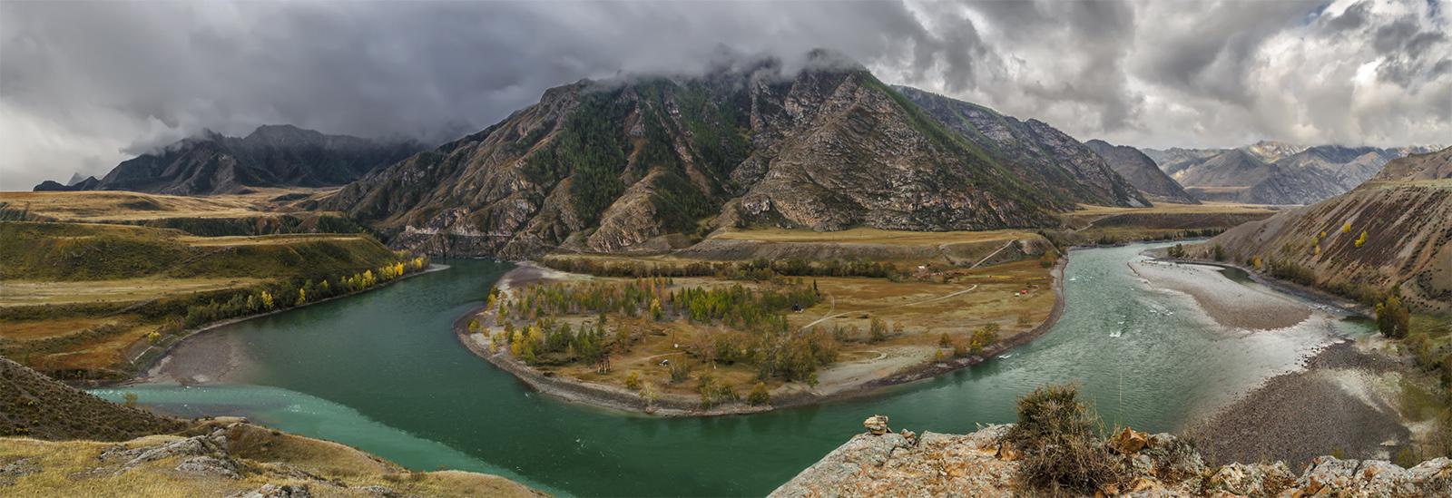 Горный Алтай. Место слияния Чуи и Катуни. Панорама 7 снимков.