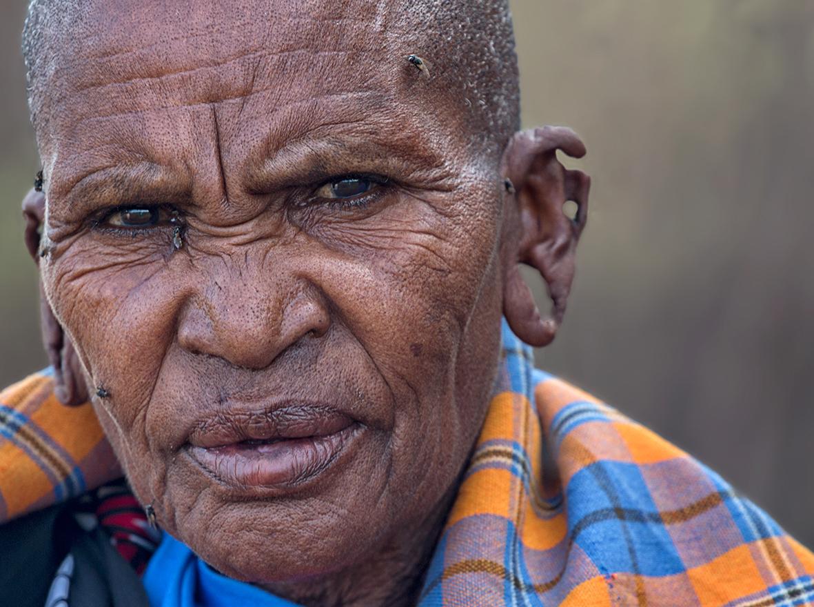 Масаи — полукочевой африканский коренной народ, живущий в саванне на юге Кении, и на севере Танзании. Масаи являются, пожалуй, одним из самых известных племён Восточной Африки. Несмотря на развитие современной цивилизации, они практически полностью сохранили свой традиционный уклад жизни, хотя это и становится труднее с каждым годом.Несмотря на репутацию масаев как свирепых воинов, в центре их культуры находится скот.