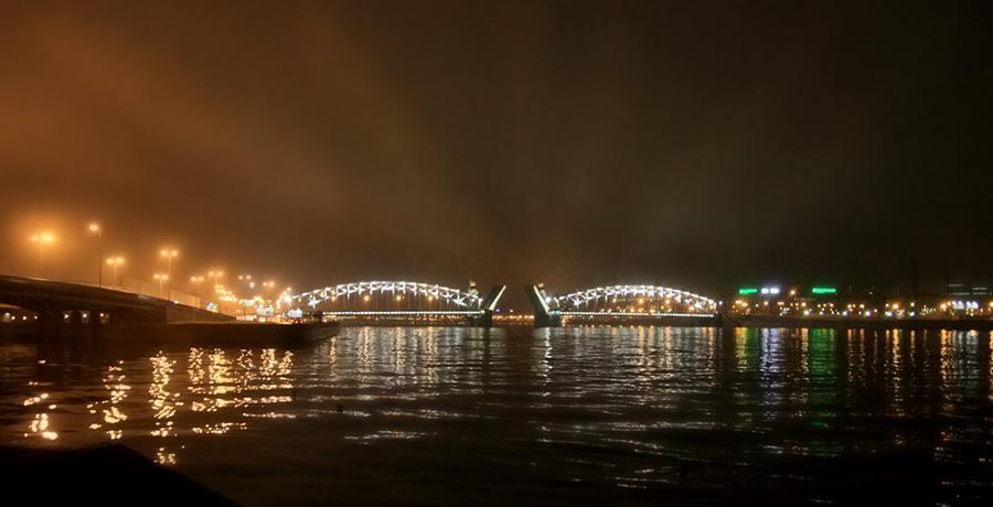 Разведение мостов над Невой