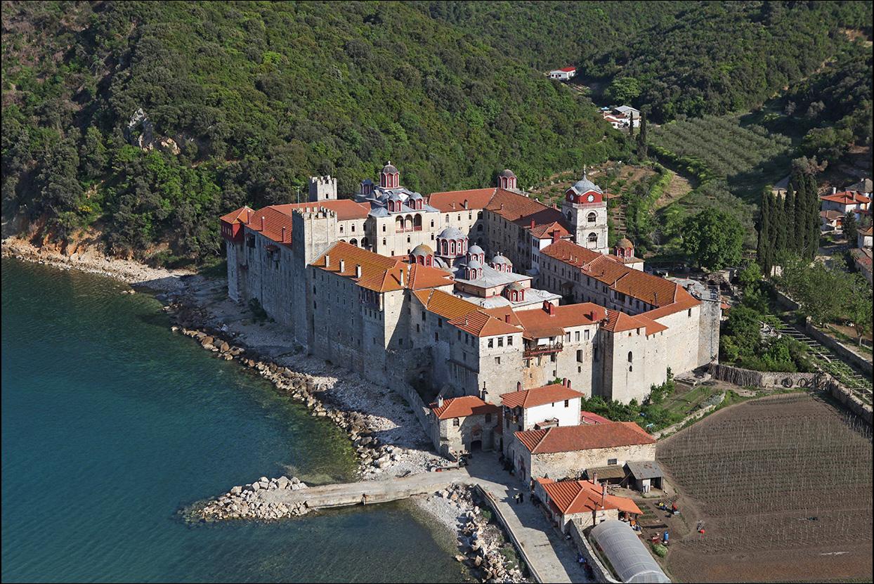 Эсфигмен. Монастырь, расположенный в восточной части Афонского полуострова. 01-05-2013.