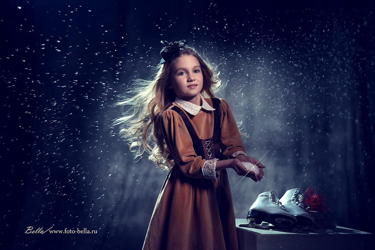 #Детская фотосессия#семейная фотосессия#зима#метель# снег#каток#коньки#девочка#фотограф Бэлла Ващенко#photographer_bella_vaschenko