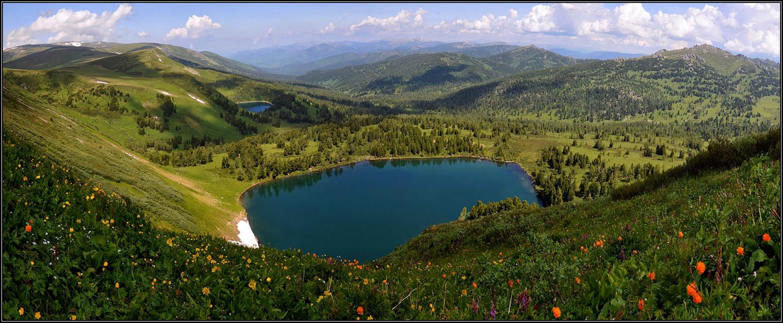 Западно-Алтайский государственный заповедник организован в 1992 году и занимает площадь в 56,3 тыс.га. В истоках р. Белая Уба имеется 14 мелких ледников, а выше границы леса располагаются малые горные озера ледникового происхождения и болота, дающие начало ручьям. Здесь рядом сразу несколько климатических зон - таежные хвойные леса, альпийские луга и высокогорная тундра. И все это соседствует друг с другом, создавая на склонах невероятные по красоте лиственные и кедрово-пихтовые зеленые пояса.