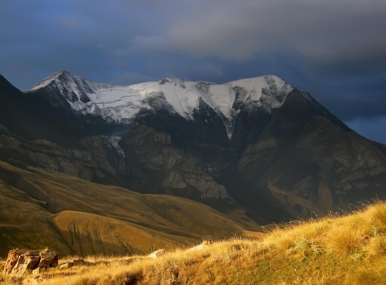 Дагестан, гора Базардюзи (4466м)..