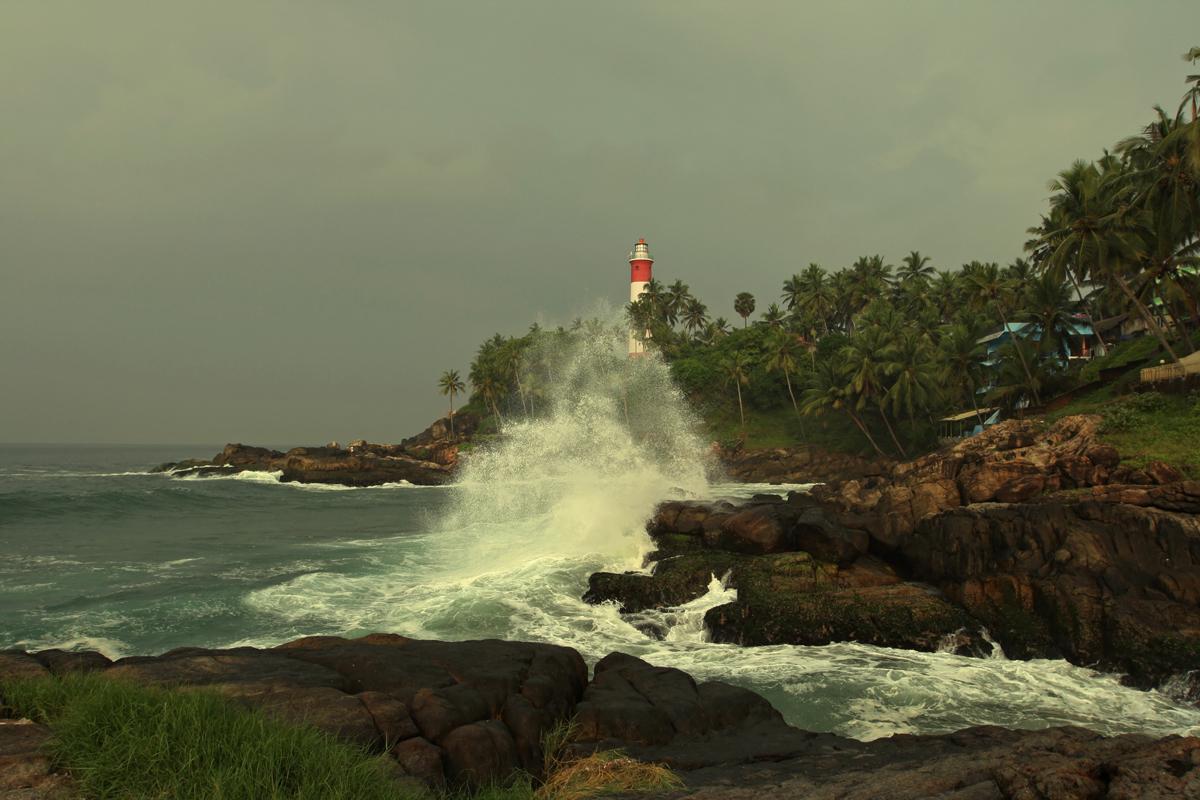 Керала - изумрудно зеленый штат на юго-западном побережье Индии, омываемый Лакшадвипским морем