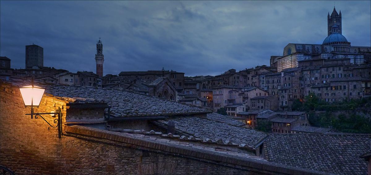 Сиена - сказочный итальянский городок, сохранивший дух средневековья.