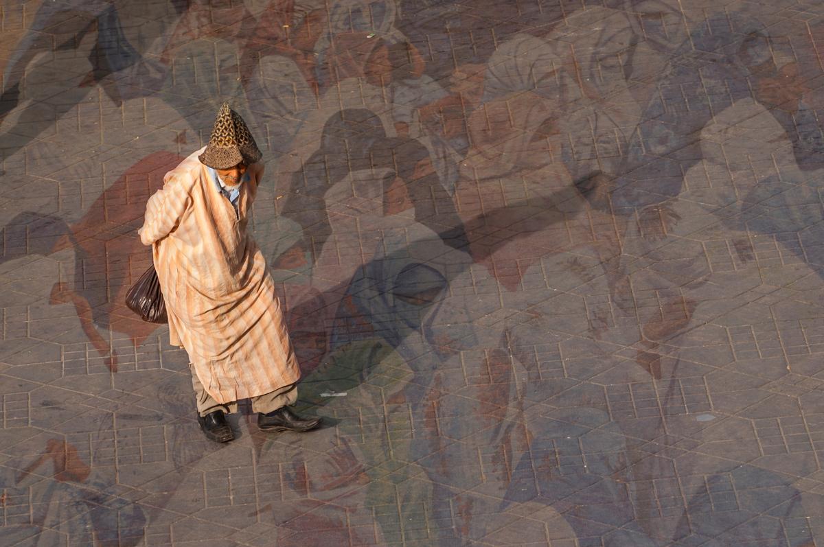 Марракеш - один из четырех имперских городов в Марокко,расположенный на юго-западе страны у подножья Атласских гор.Он был основан в 1062 году