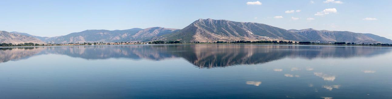 Озеро Орестиада (город Касторья, северо-западная Греция)