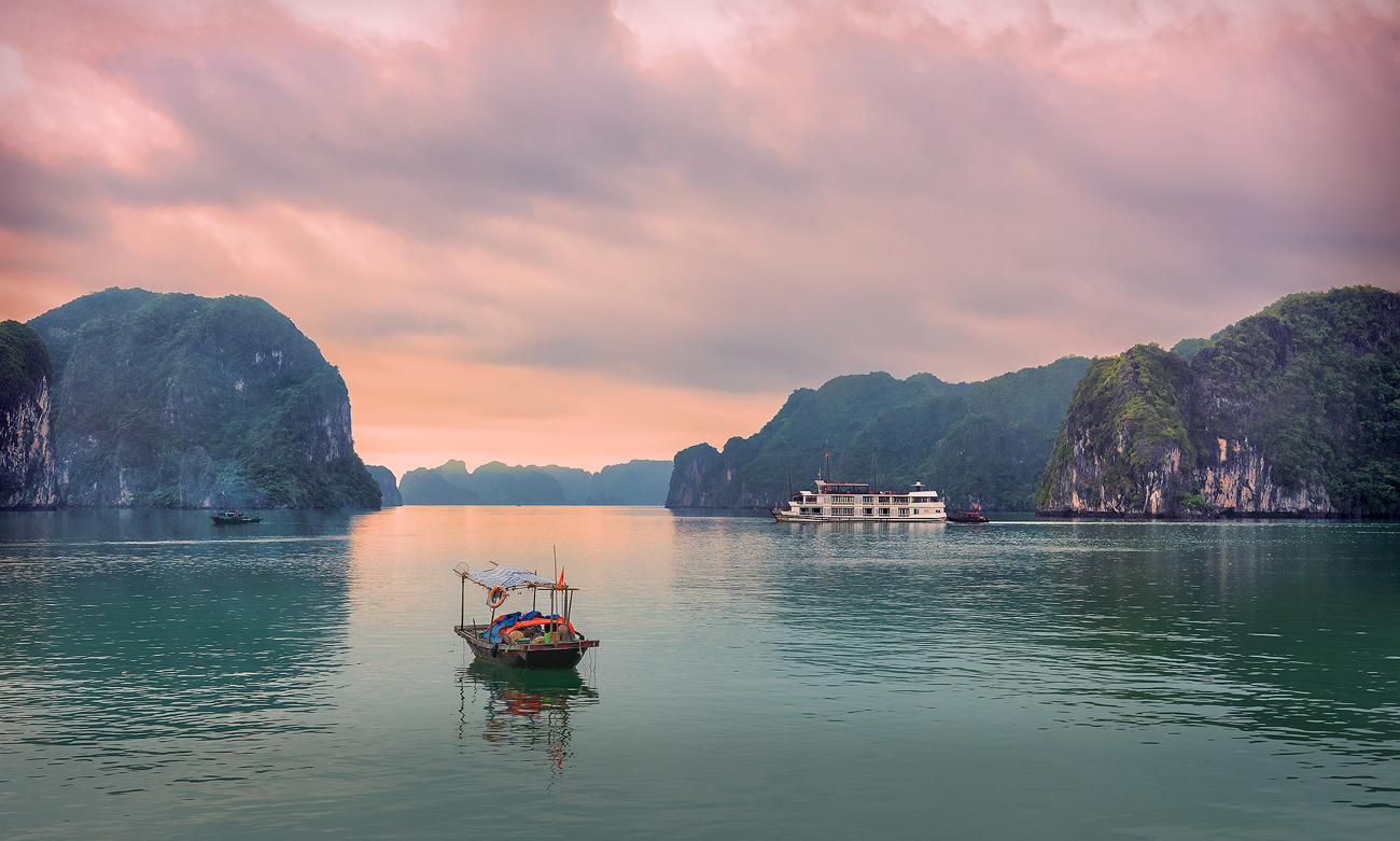 Халонг Вьетнам.рассвет,путешествие,пейзаж,морской,Вьетнам,sunrise,travel,