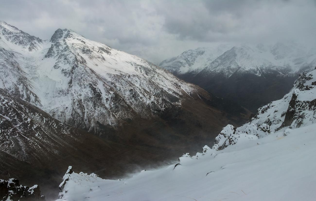 Эльбрус, Терскольское ущелье, высота 3200м...