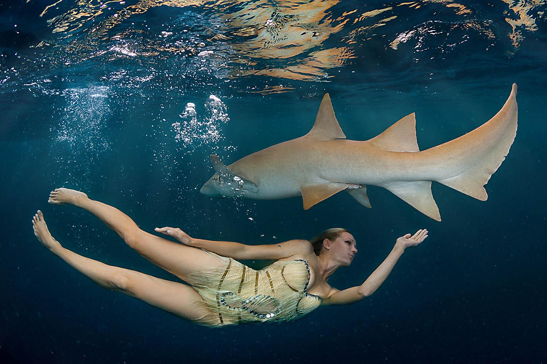 Подводная фотомодель Ирина Британова http://underwaterphototour.ru/ Индийский океан, Мальдивские острова, дайвсайт Алимата