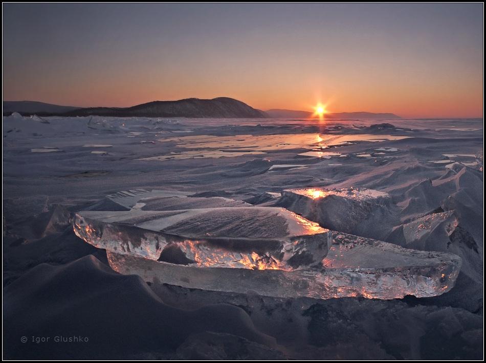 Февральский закат на Байкале