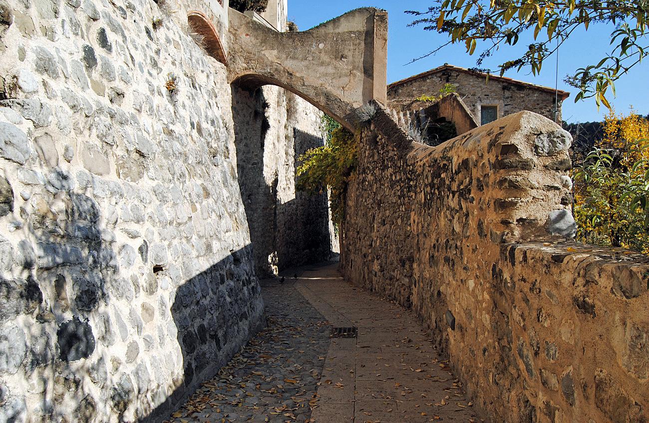 Деревня Бесалу, Каталония, Испания