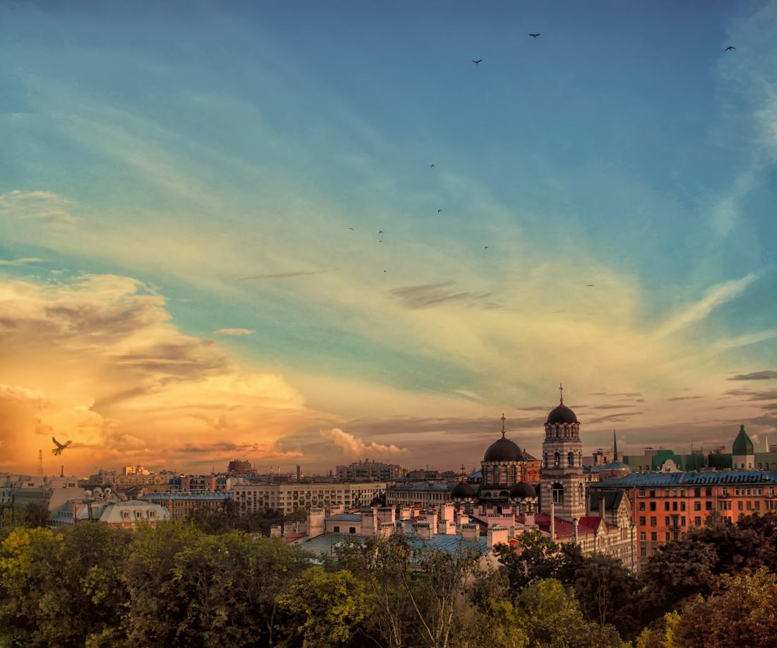 Иоанновский монастырь....с крыши щелкал, страшно, аж жудь))