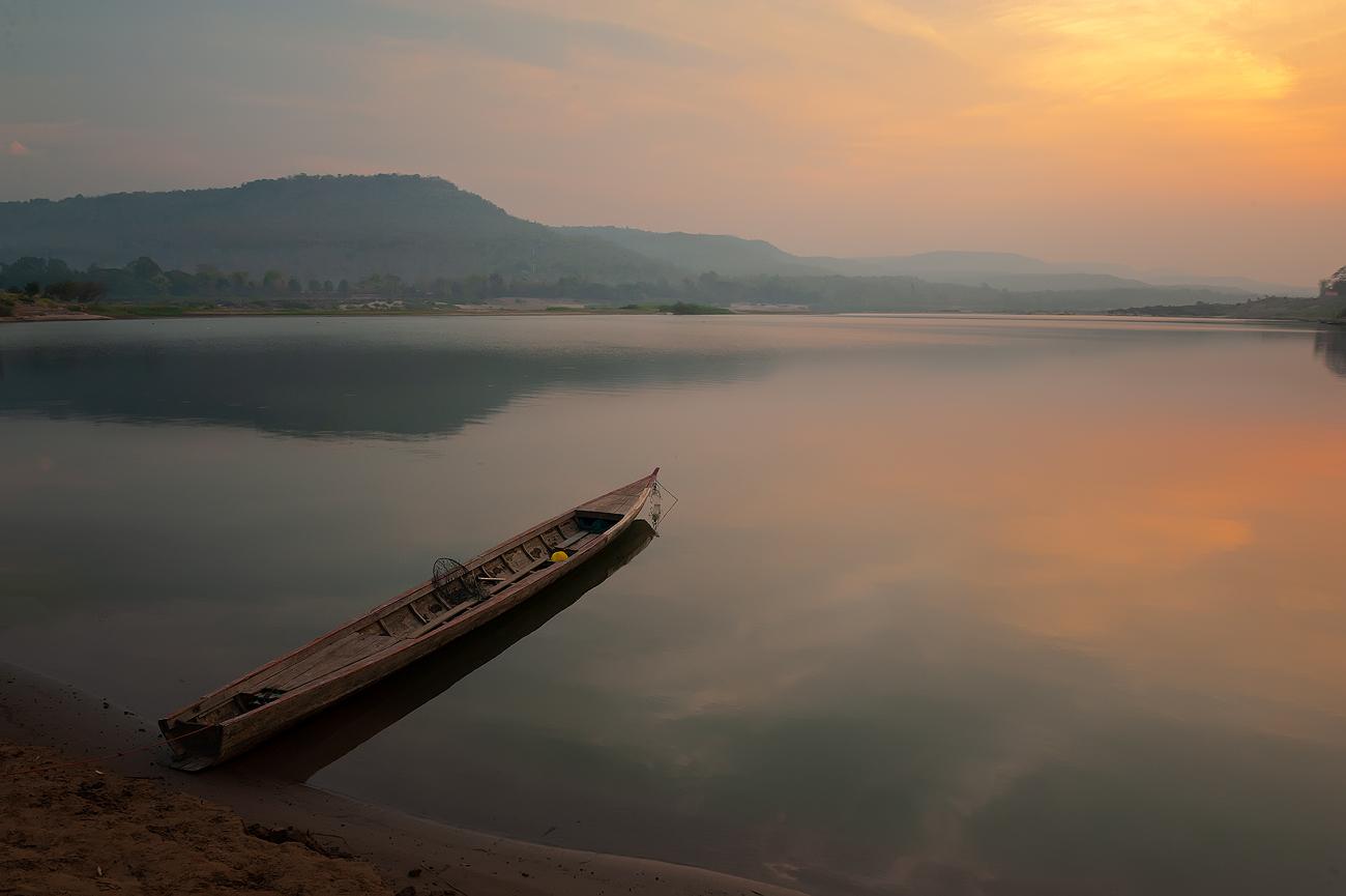 Река Меконг, провинция Исан, Таиланд...пейзаж,рассвет,меконг,путешествие,таиланд,отраажение,